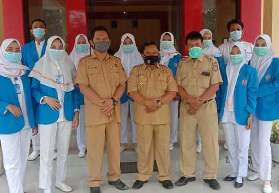 Mahasiswa STIKES Muhammadiyah Kendal Adakan Perawatan Keluarga di Beberapa RT